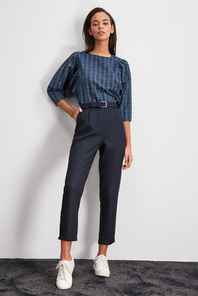TRENDYOLMİLLA Lacivert Pili Detaylı Pantolon TWOAW20PL0541