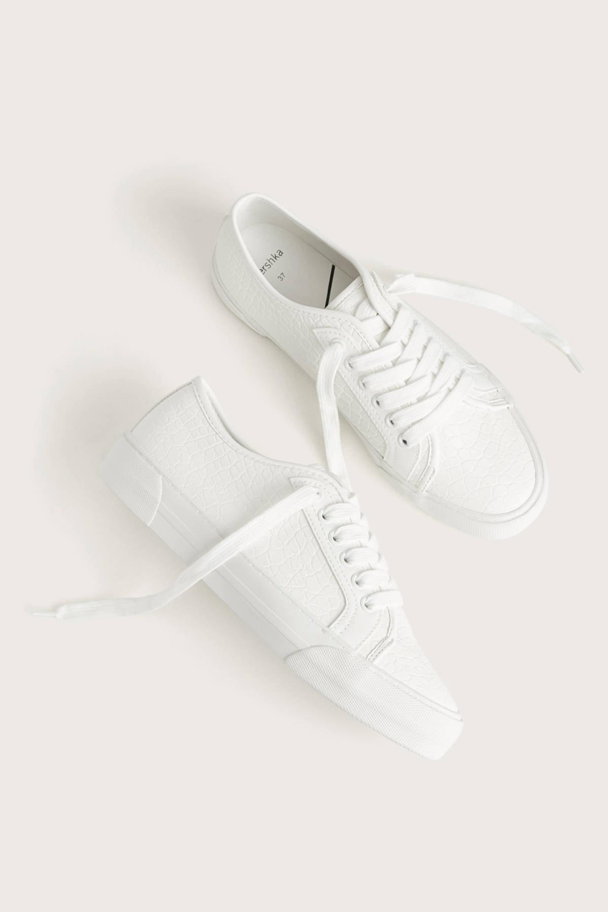 Bershka Kadın Beyaz Kabartma Timsah Derisi Efektli Spor Ayakkabı 11406560 1