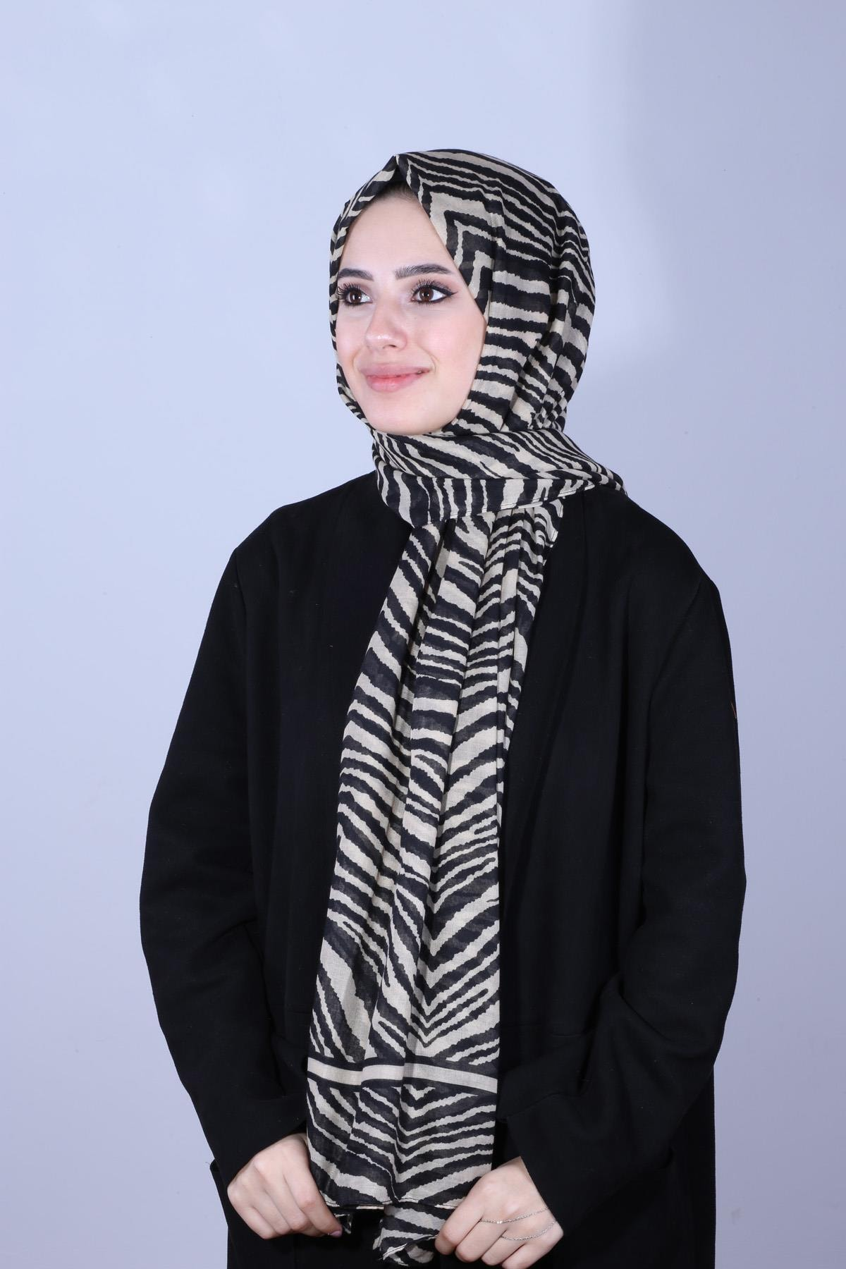 Y-London Kadın Bej  Zebra Desenli Bej Şal SAL-6970