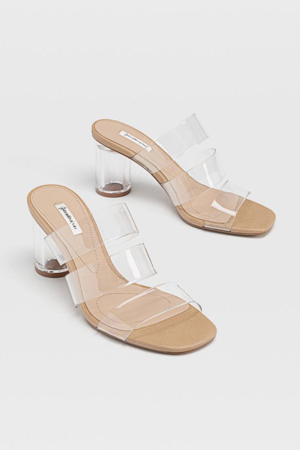 Stradivarius Kadın Kum Rengi Vinil Topuklu Sandalet 19217570 2