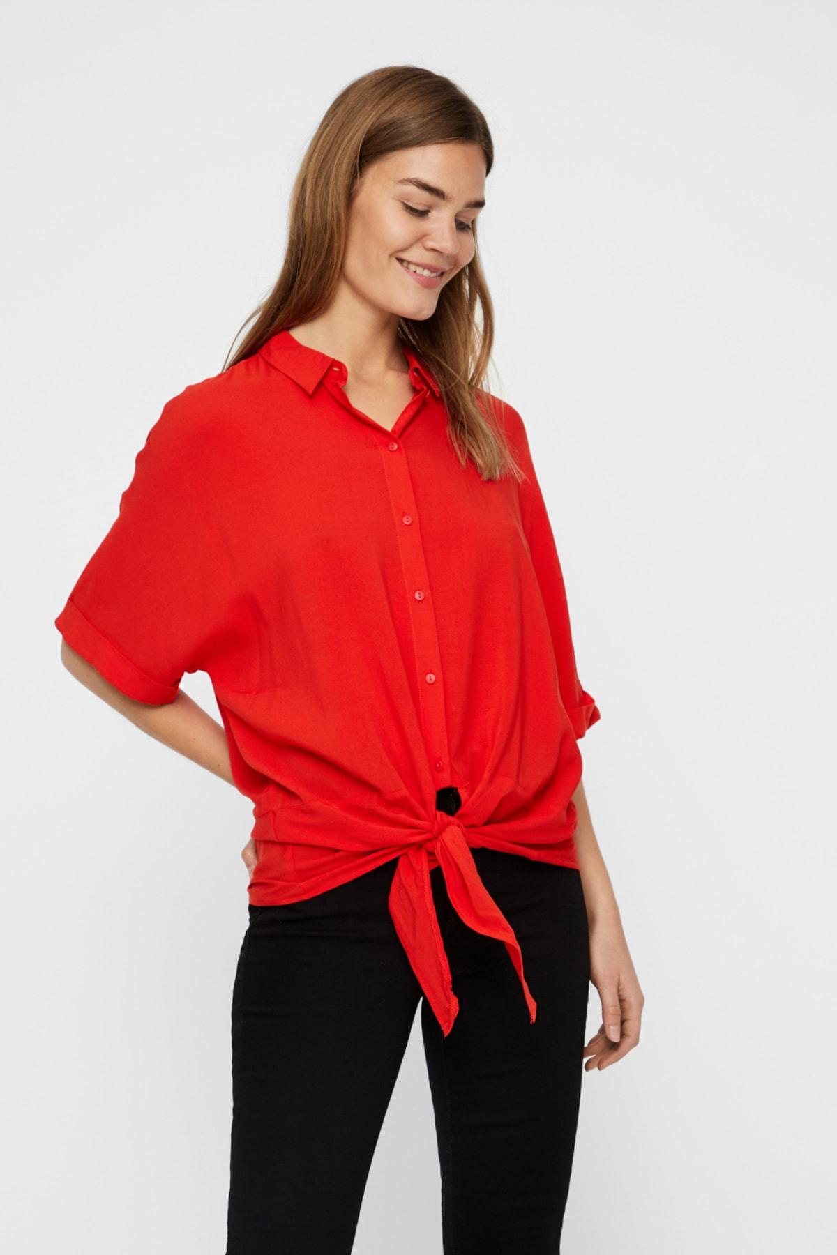 Vero Moda Kadın Kırmızı Yarasa Kol Bağlama Detaylı Viskon Gömlek 10214788 VMKHLOE 1