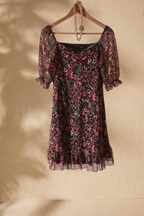 TRENDYOLMİLLA Çok Renkli Çiçek Desenli Tül Örme Elbise TWOSS20EL1690