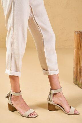 Louis Cardy Clea  Bej  Hakiki Süet Kadın Klasik Topuklu Ayakkabı