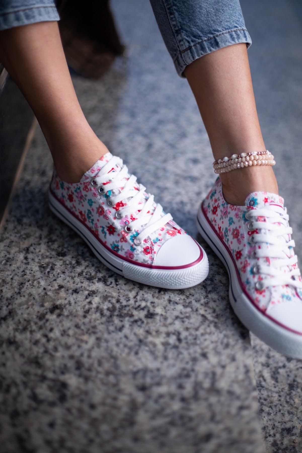 ESPARDİLE Kadın Beyaz Çiçek Desenli Spor Ayakkabı 1