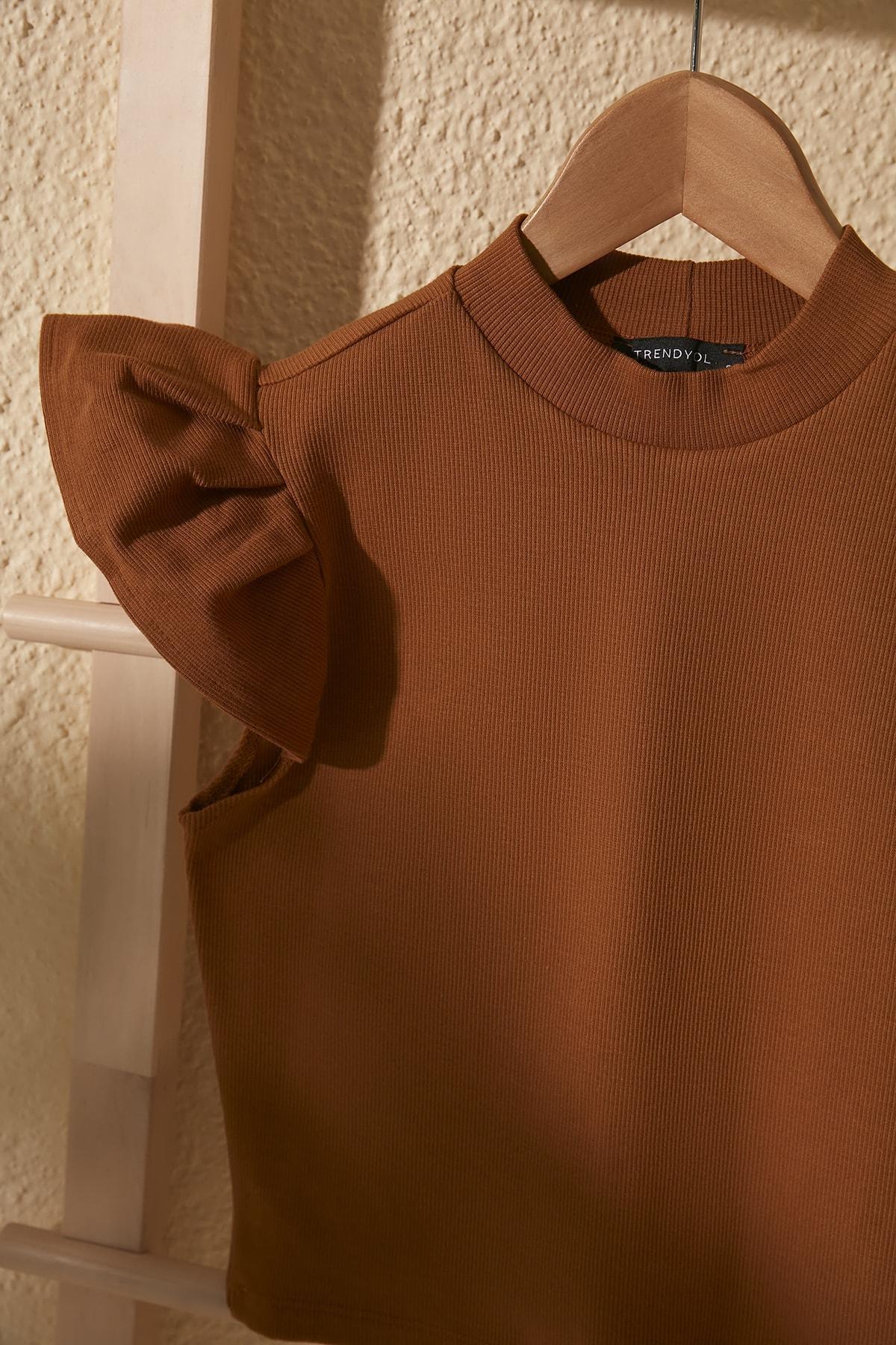 TRENDYOLMİLLA Camel Crop Örme Bluz TWOSS20BZ0786 2
