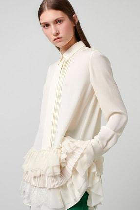 Machka Kadın Kırık Beyaz Etek Ucu Dantel Ve Pilise Detaylı Krep Saten Bluz MS1200016015096