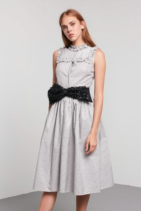 Machka Kadın Gri Yakası Ve Robası Fırfır Detaylı Belden Oturan Payetli Jakar Tafta Elbise MS1200002046005