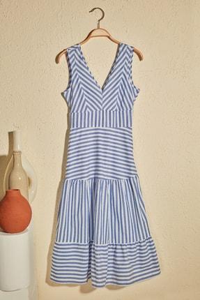 TRENDYOLMİLLA Mavi Çizgili Elbise TWOSS20EL2152