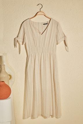 TRENDYOLMİLLA Taş Çizgili Cep Detaylı Elbise TWOSS20EL2740