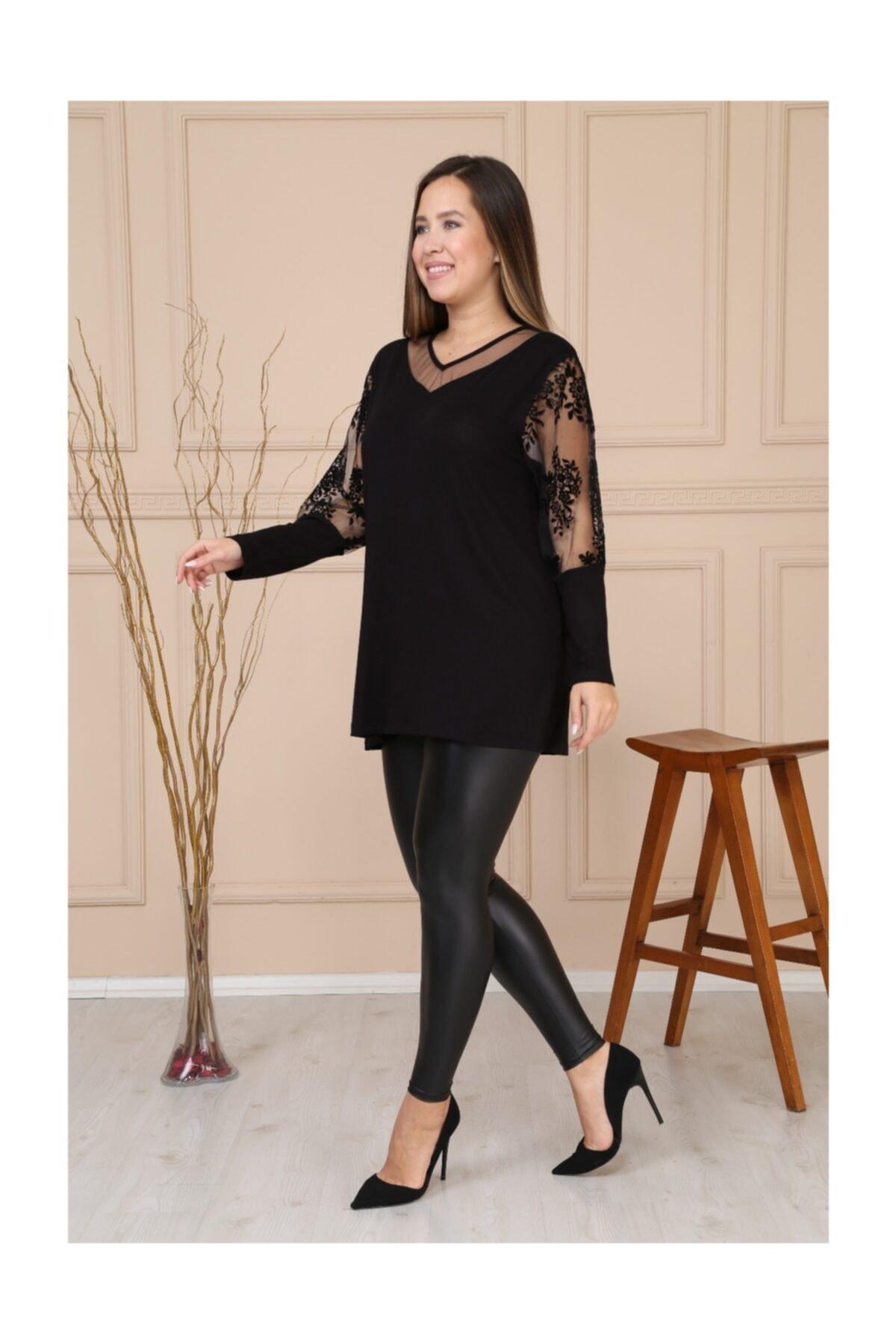 HÜLYA BUTİK Kadın Siyah V Yaka Kol Çiçek Flok Baskı Bluz 1