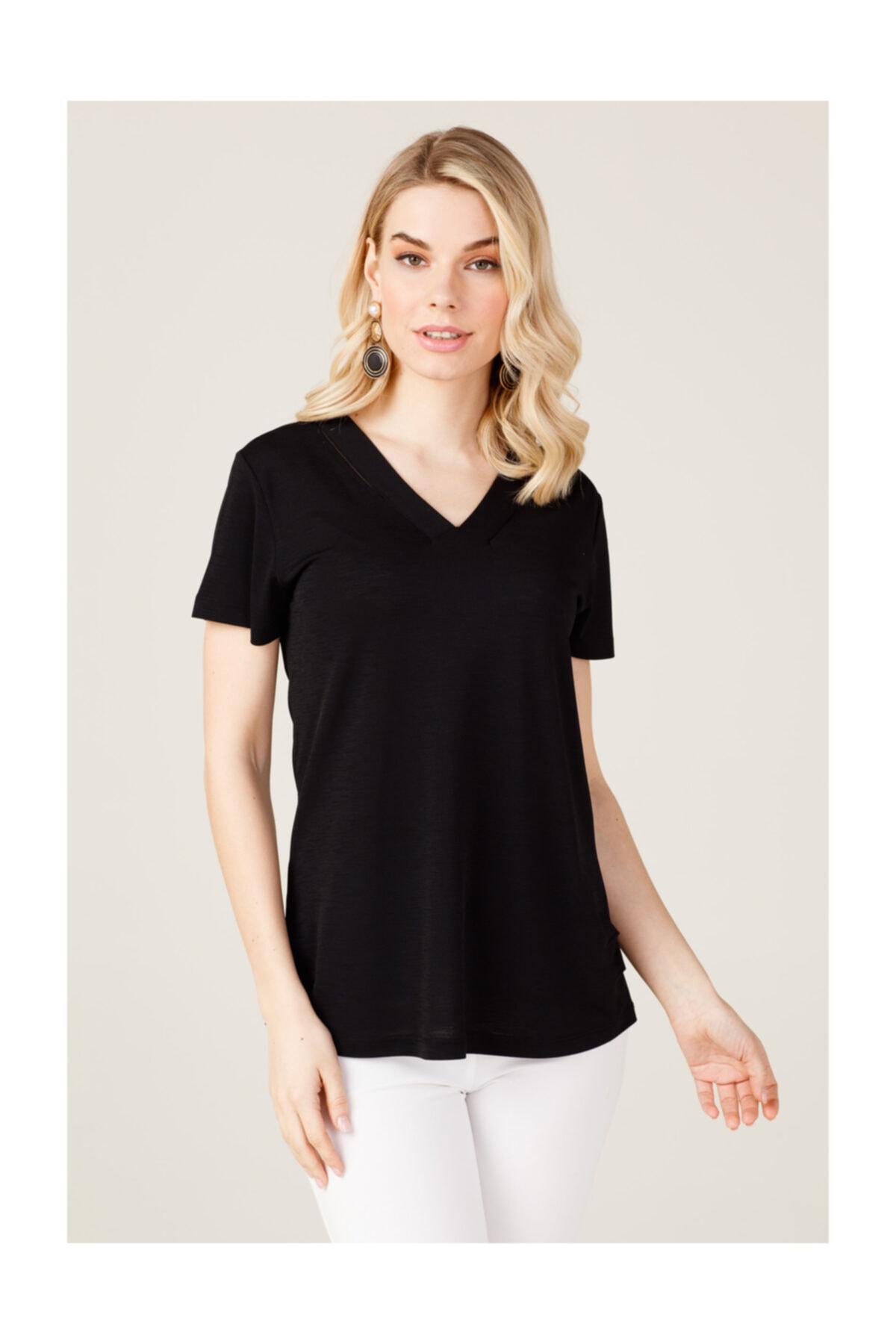 ON Yakası Parçalı Kadın Tişört 2