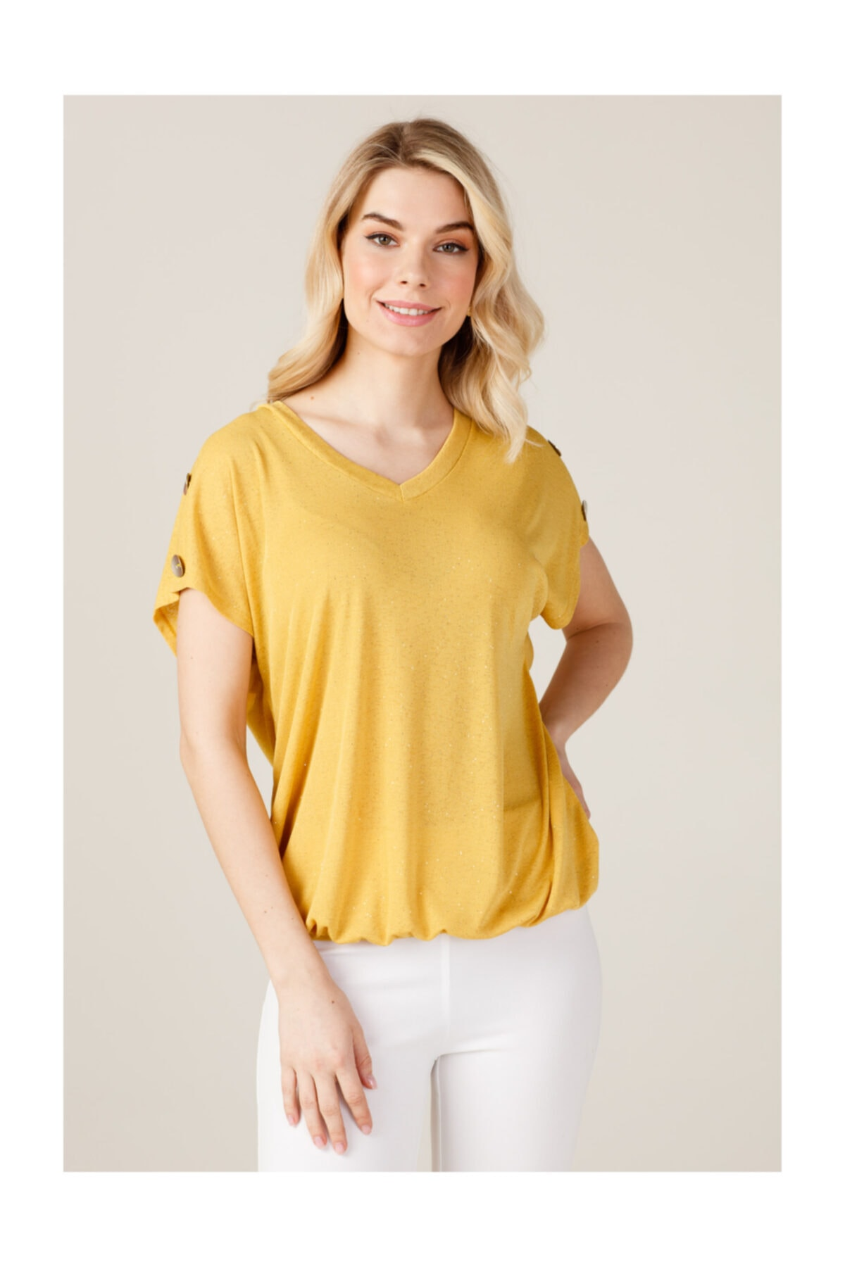 ON Kadın Omuzları Düğmeli T-shirt 1