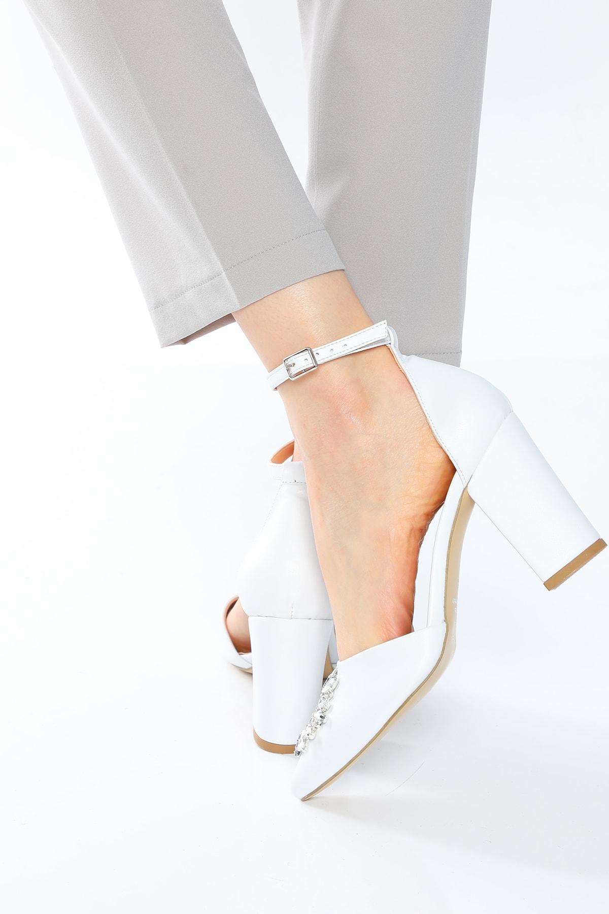 Nizar Deniz Maureen Beyaz Mat  Sivri 8cm Kristal Taşlı Kalın Topuklu Kadın Ayakkabı 2
