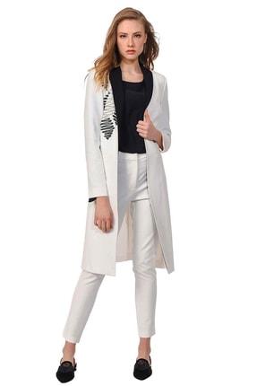 Mizalle Kadın Beyaz Nakış Detaylı Tasarım Ceket Beyaz 19YGMZL1020012