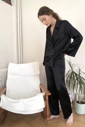 TRENDYOLMİLLA Siyah Düğme Detaylı Saten Pijama Takımı THMSS20PT0193
