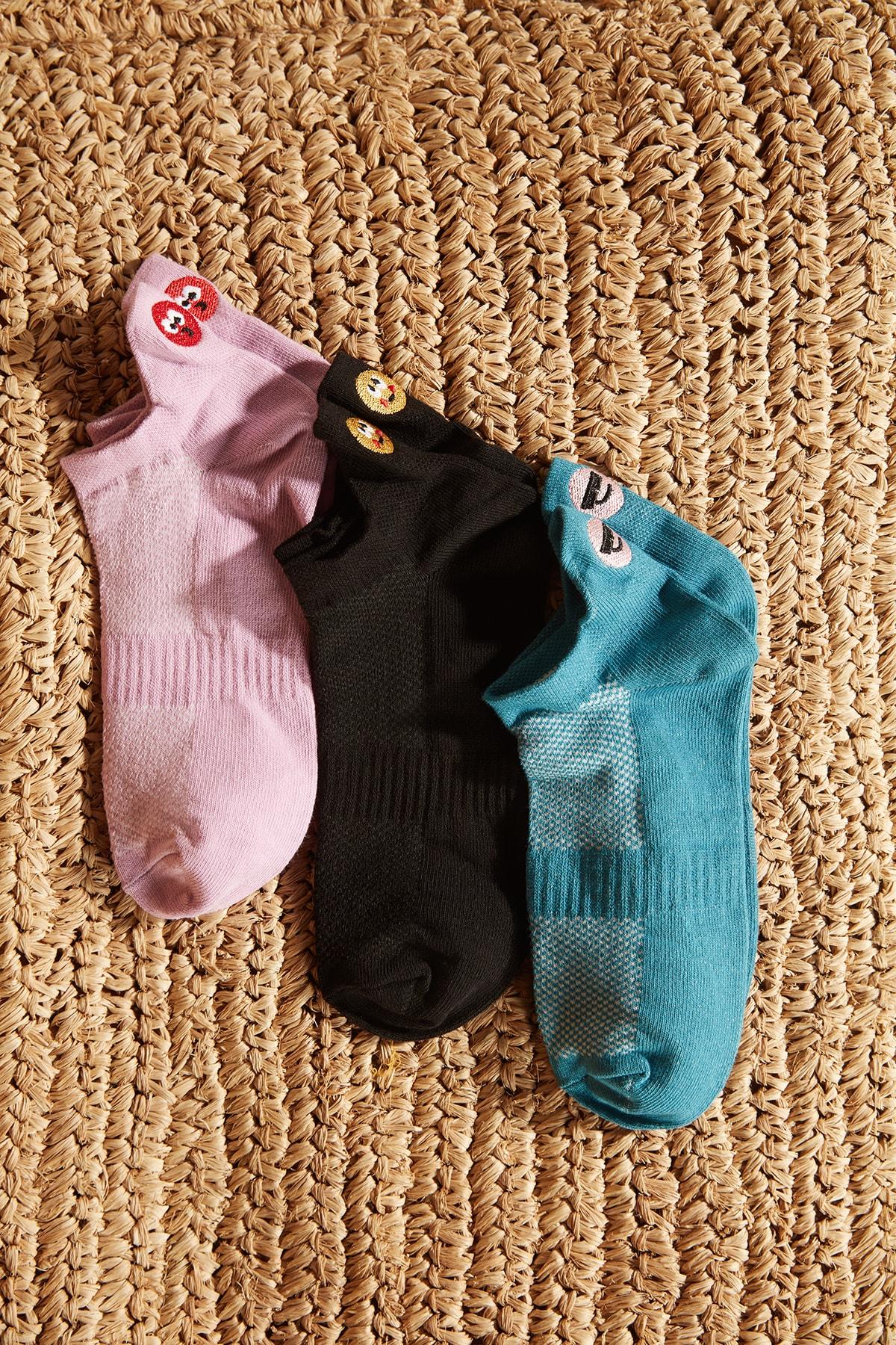 TRENDYOLMİLLA Çok Renkli 3'lü Emoji Nakışlı Örme Çorap TWOSS20CO0049 2