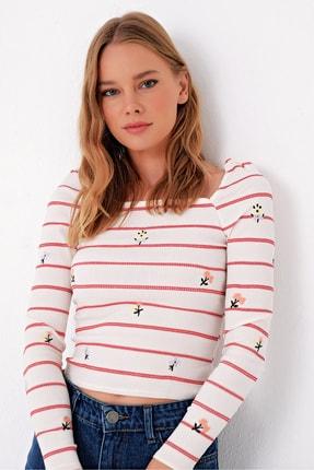 Trend Alaçatı Stili Kadın Kırmızı Korse Etkili Nakışlı Crop Bluz ALC-X5026