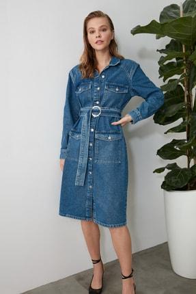 TRENDYOLMİLLA Mavi Kemerli Uzun Denim Elbise TWOAW21EL1425