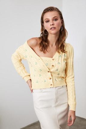 TRENDYOLMİLLA Sarı Nakış Detaylı Bluz-Hırka Triko Takım TWOAW21HI0114