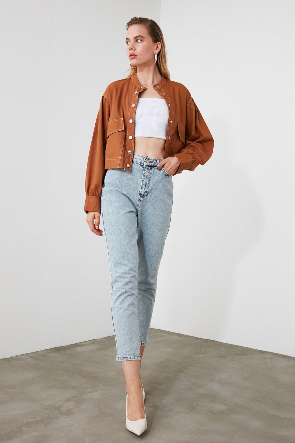 TRENDYOLMİLLA Açık Mavi Yıkamalı Yüksek Bel Mom Jeans TWOSS20JE0162 2