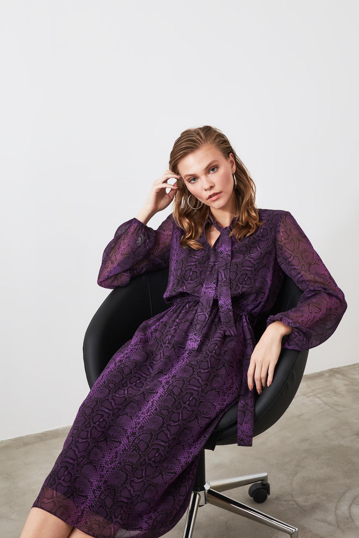 TRENDYOLMİLLA Çok Renkli Kuşaklı Desenli Elbise TWOAW21EL0458 1