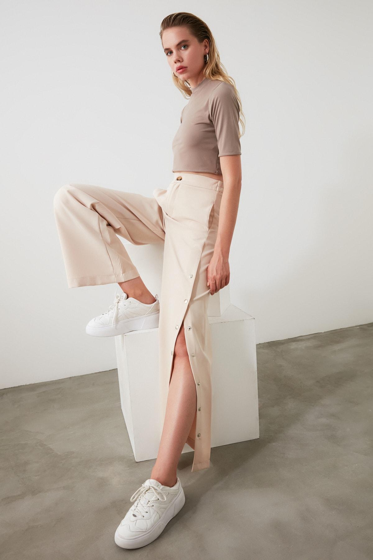 TRENDYOLMİLLA Taş Yanları Çıtçıtlı Geniş Paça Pantolon TWOSS20PL0398 1