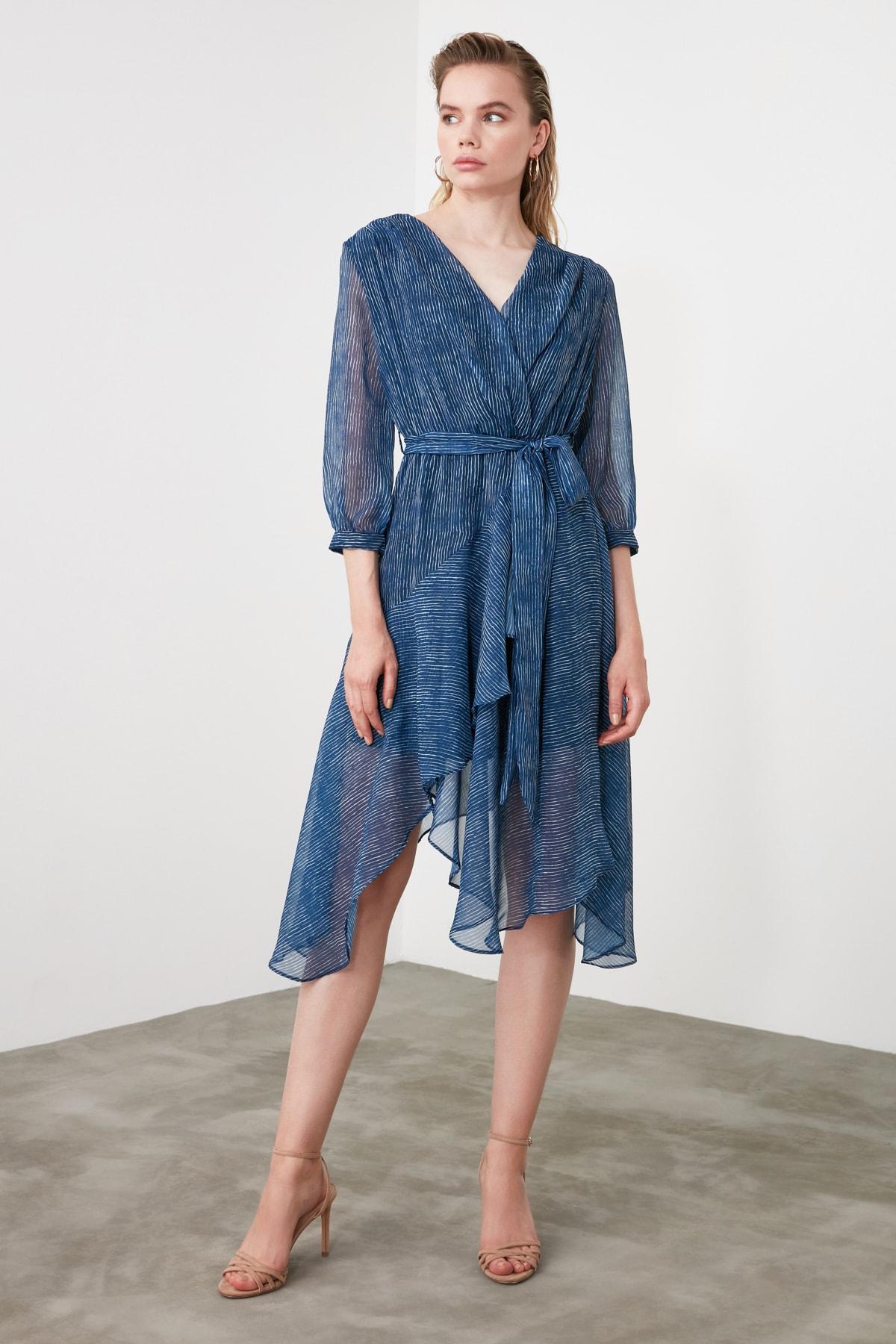 TRENDYOLMİLLA Mavi Kuşaklı Çizgili Elbise TWOSS19XO0114 2