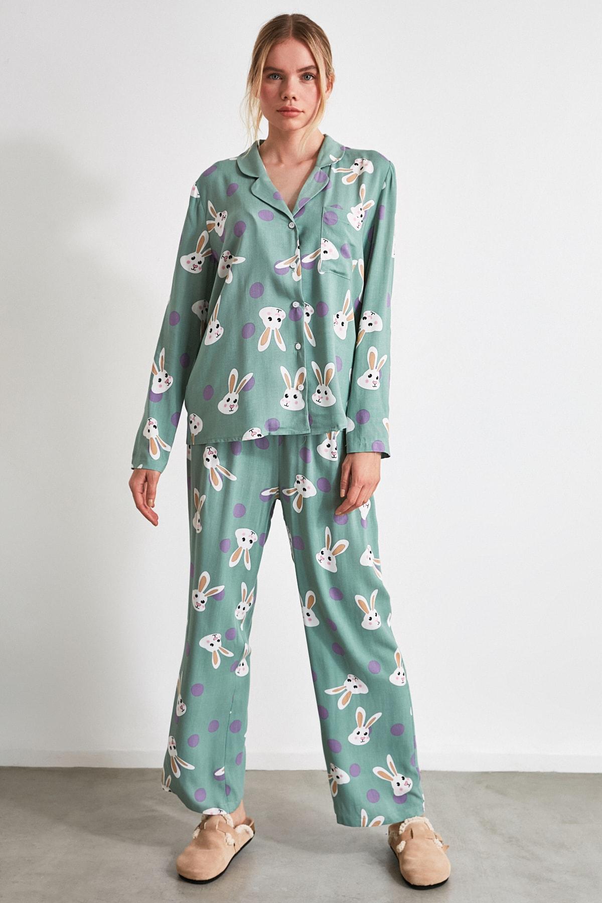 TRENDYOLMİLLA Tavşan Desenli Dokuma Pijama Takımı THMAW21PT0048 2