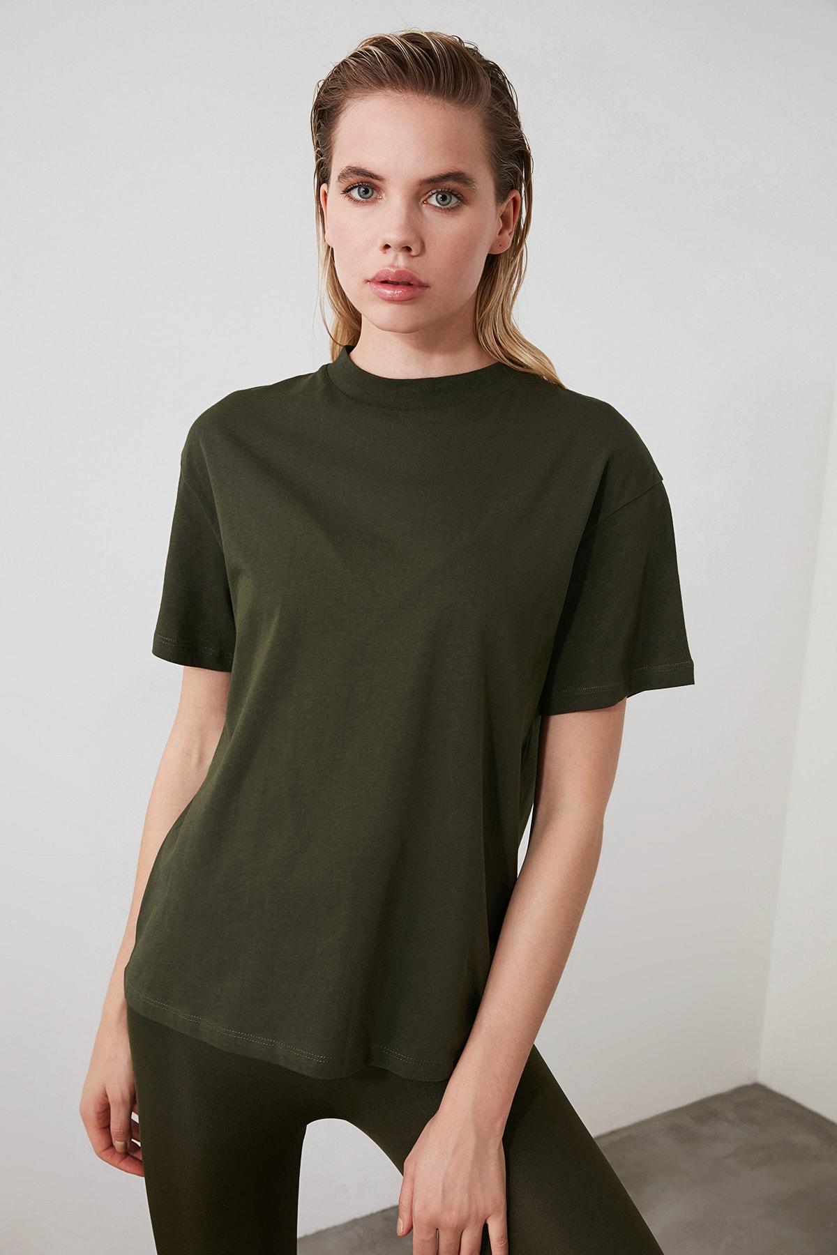 TRENDYOLMİLLA Haki Dik Yaka Basic Örme T-Shirt TWOAW20TS0096 1