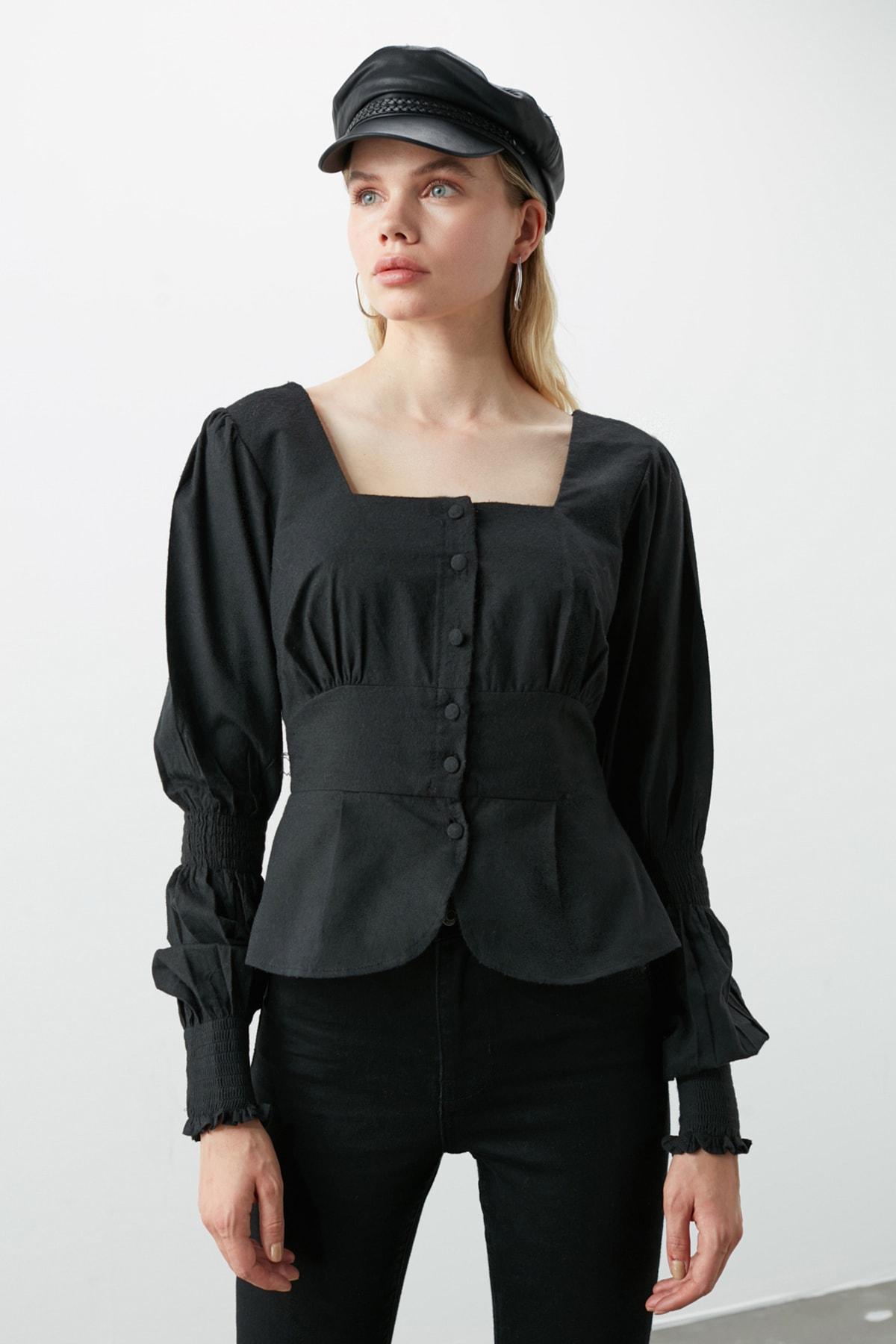TRENDYOLMİLLA Siyah Düğme Detaylı Bluz TWOAW20BZ0857 2