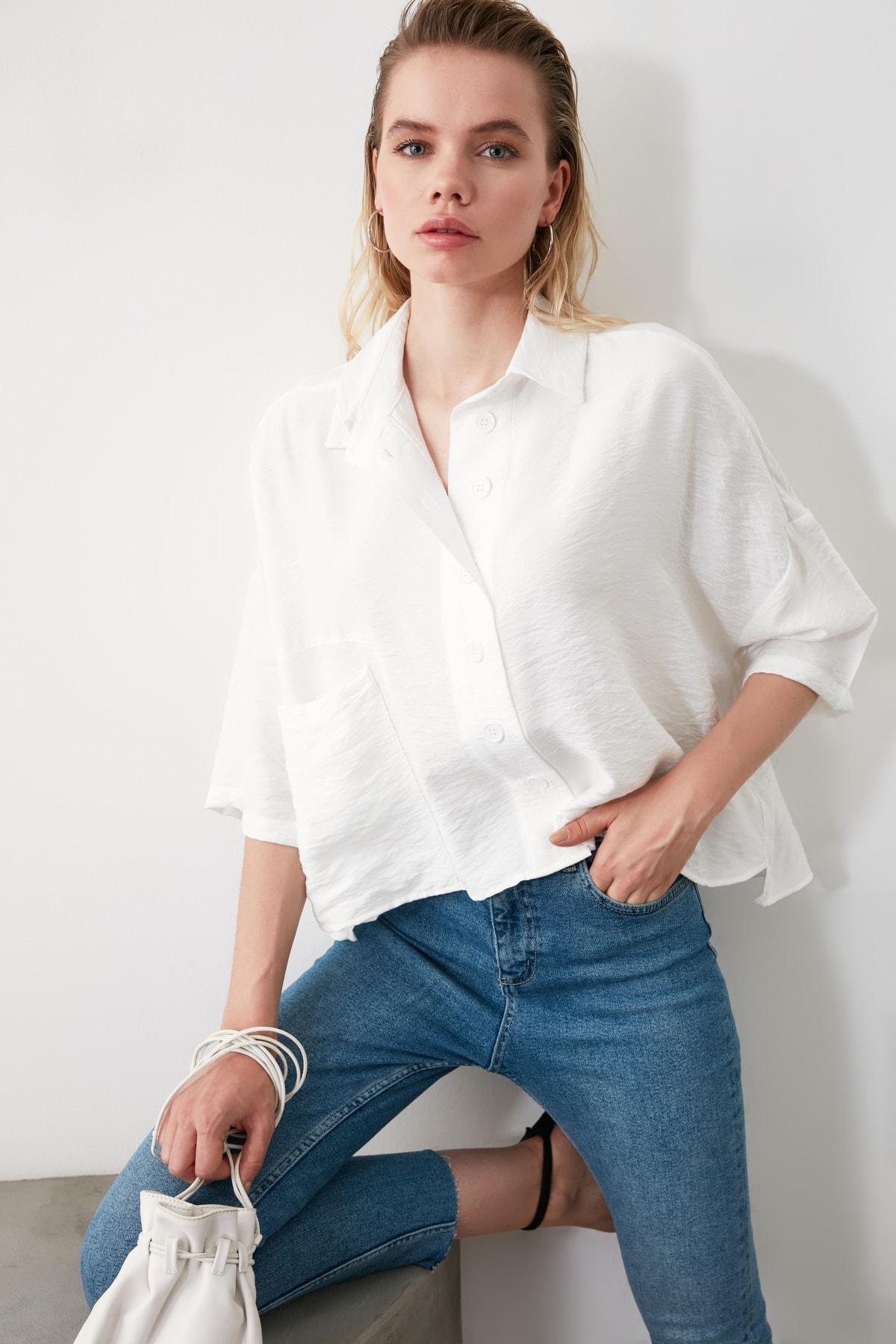 TRENDYOLMİLLA Beyaz Bol Kesim Gömlek TWOSS20GO0381 2