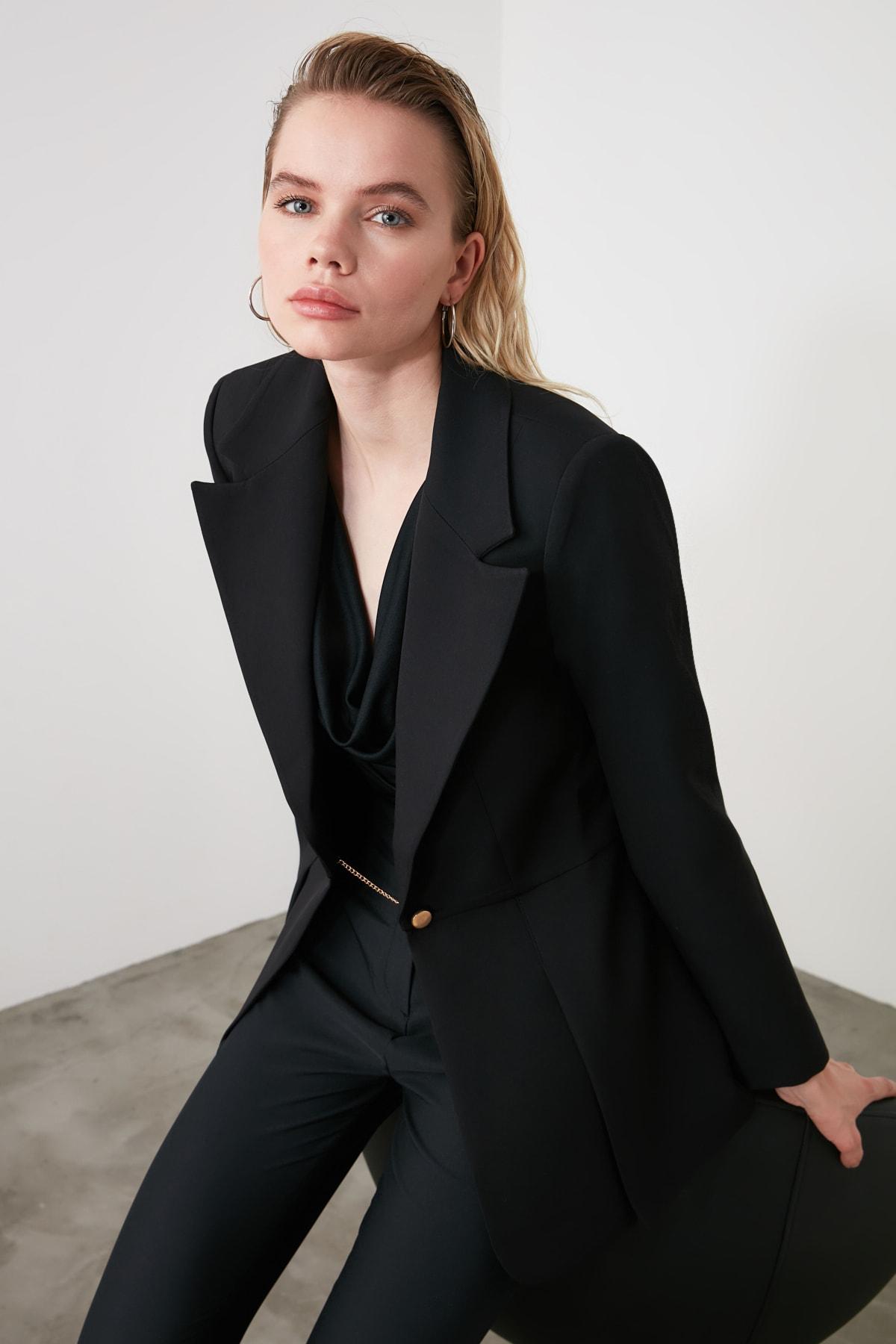 TRENDYOLMİLLA Siyah Metal Düğmeli Pens Detaylı Blazer Ceket TWOSS20CE0095 1
