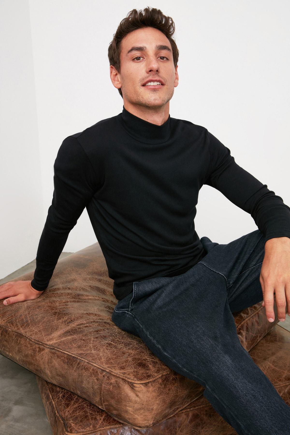 TRENDYOL MAN Siyah Erkek Slim Fit Uzun Kollu Yarım Balıkçı Yaka Basic T-Shirt TMNAW20TS0210 1