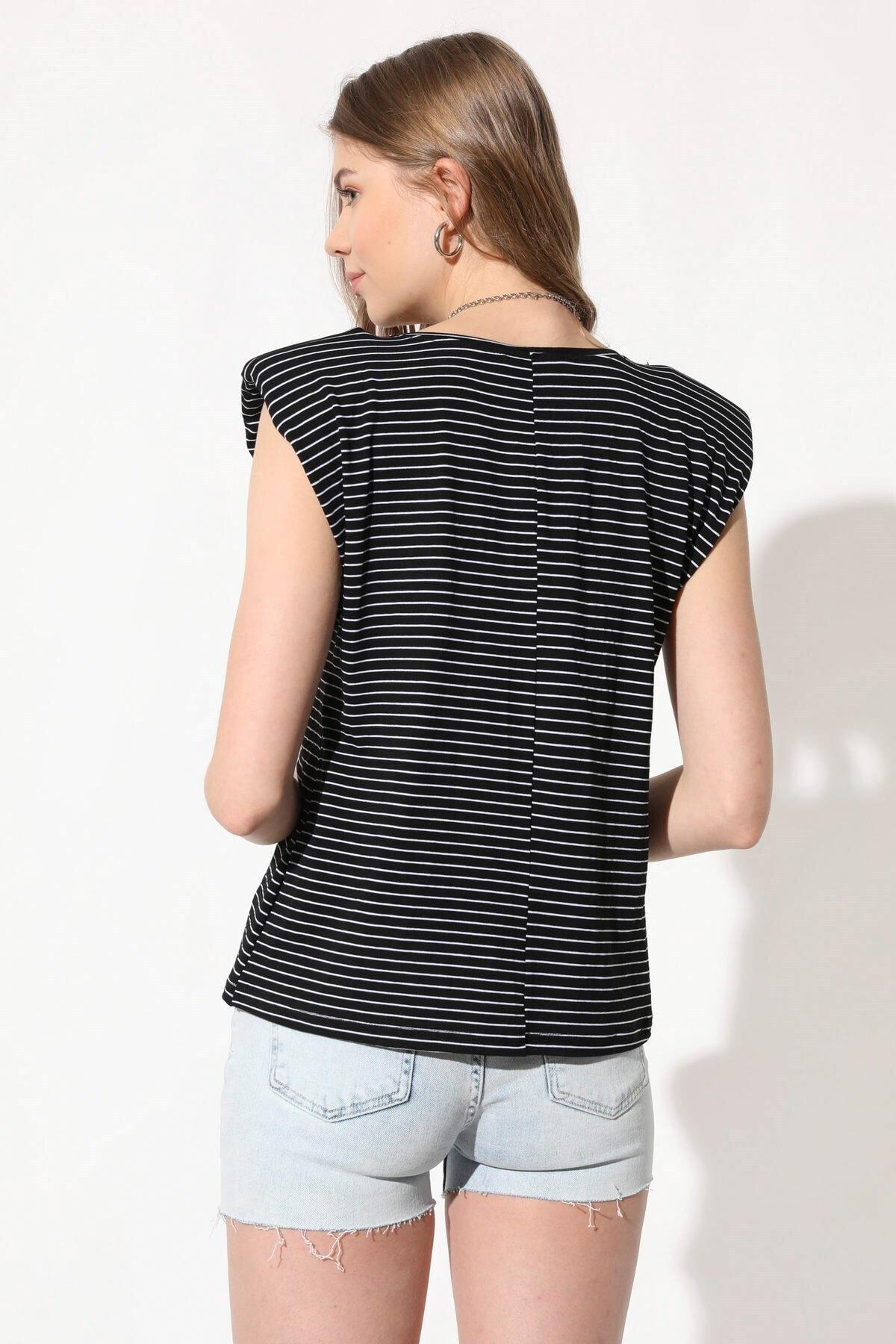 Üçel Life Kız Siyah Vatkalı Çizgili T-Shirt 2