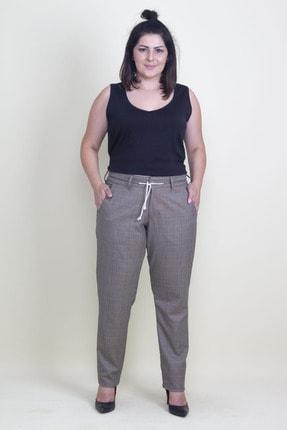 Şans Kadın Bej Ekose Desen Kemeri Ekstra Kaytan Bağcıklı Klasik Pantolon 65N17677