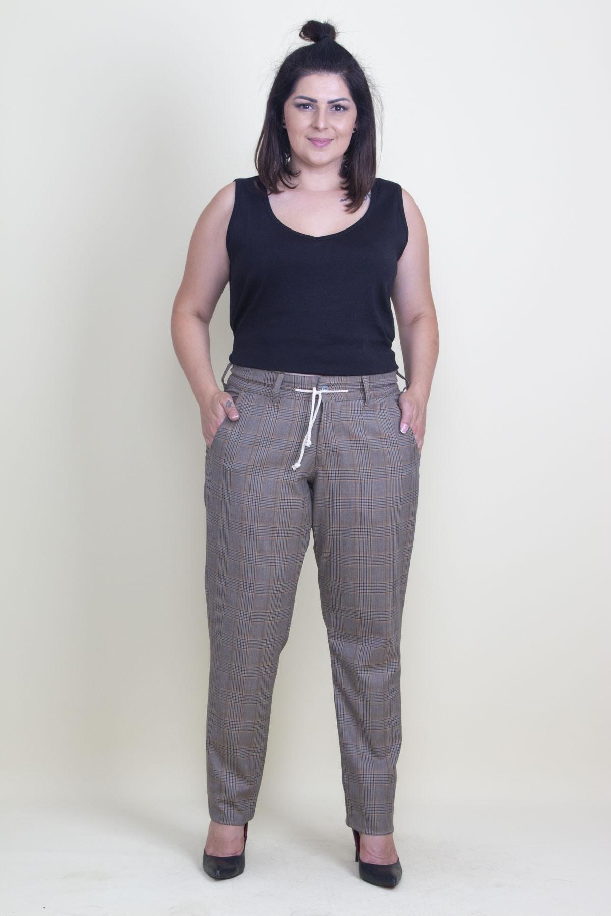 Şans Kadın Bej Ekose Desen Kemeri Ekstra Kaytan Bağcıklı Klasik Pantolon 65N17677 1