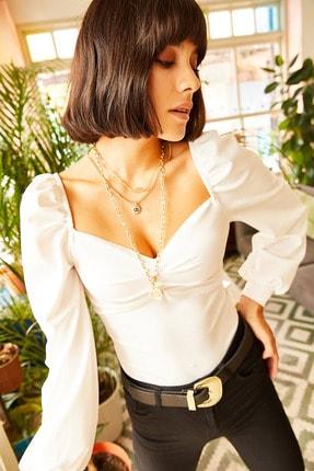 Olalook Kadın Ekru Önü Büzgülü Balon Kol Bluz BLZ-19001084
