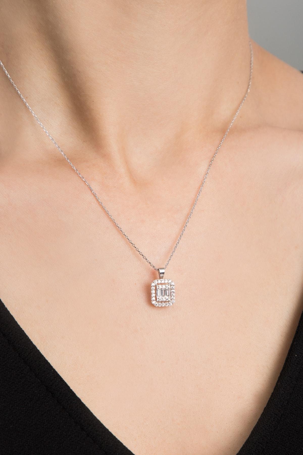 Elika Silver Kadın Baget Model 925 Ayar Gümüş Kolye 2