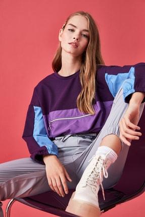 TRENDYOLMİLLA Mor Renk Bloklu Crop Örme Sweatshirt TWOSS20SW0168