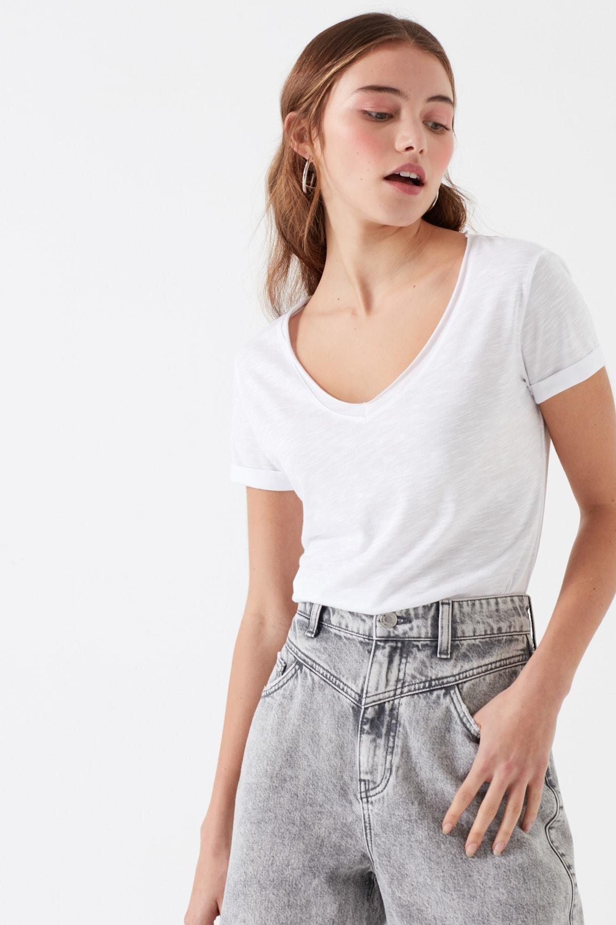 Mavi Kadın V Yaka Beyaz Basic T-shirt 2