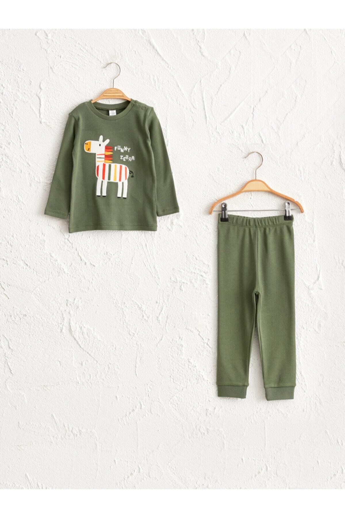 LC Waikiki Erkek Çocuk Mat Yeşil Ey8 Pijama Takımı 1