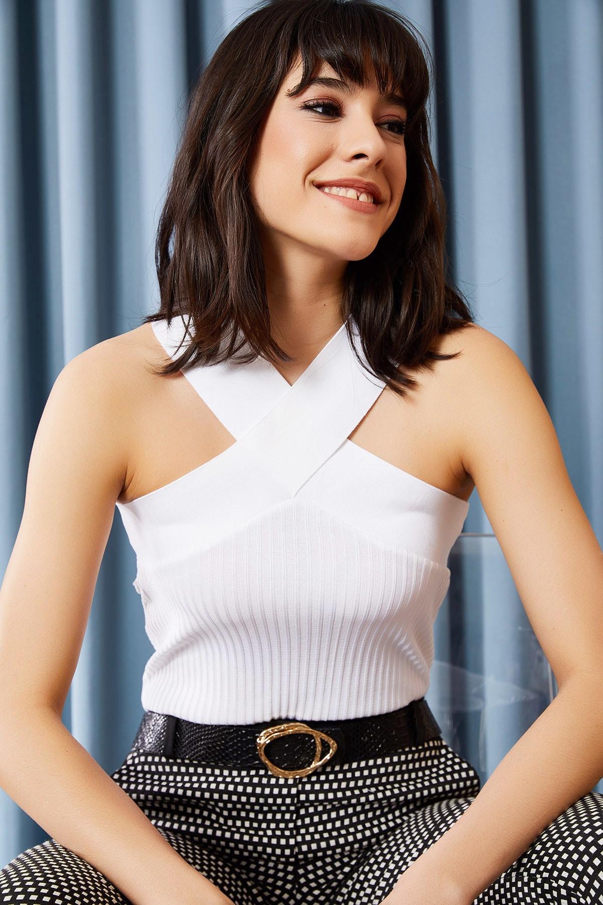 Olalook Kadın Beyaz Çapraz Yakalı Yazlık Triko Bluz BLZ-19000870 1