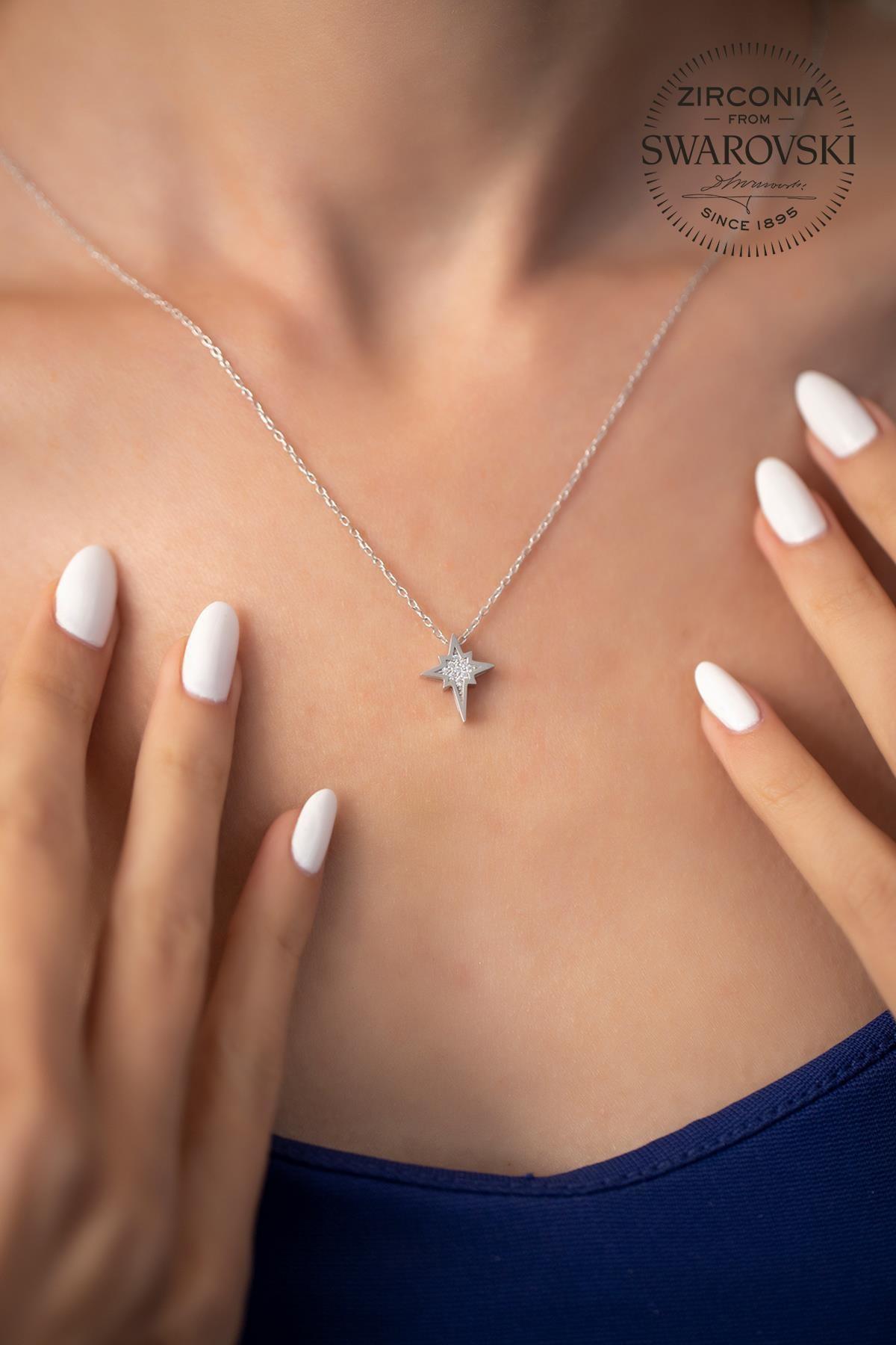 Ninova Silver Kadın Swarovski Taşlı Kutup Yıldızı Model Gümüş Kolye SBS0030
