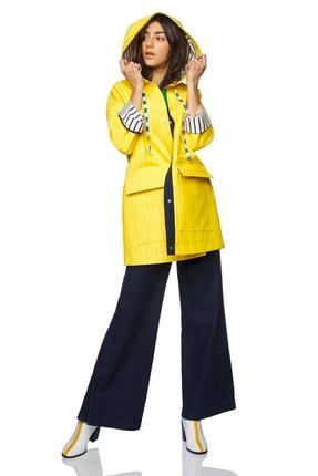 United Colors of Benetton Kadın Kapşonlu Yağmurluk 312012SH8535U4-3N7