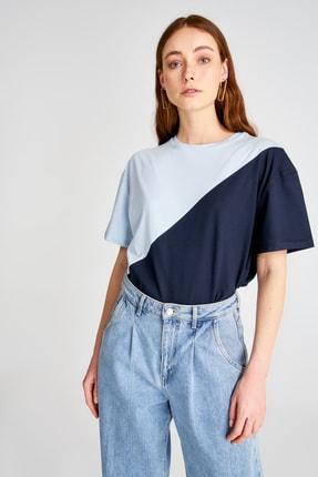 TRENDYOLMİLLA Mavi Renk Bloklu Boyfriend Kalıp Örme T-Shirt TWOSS19GS0048