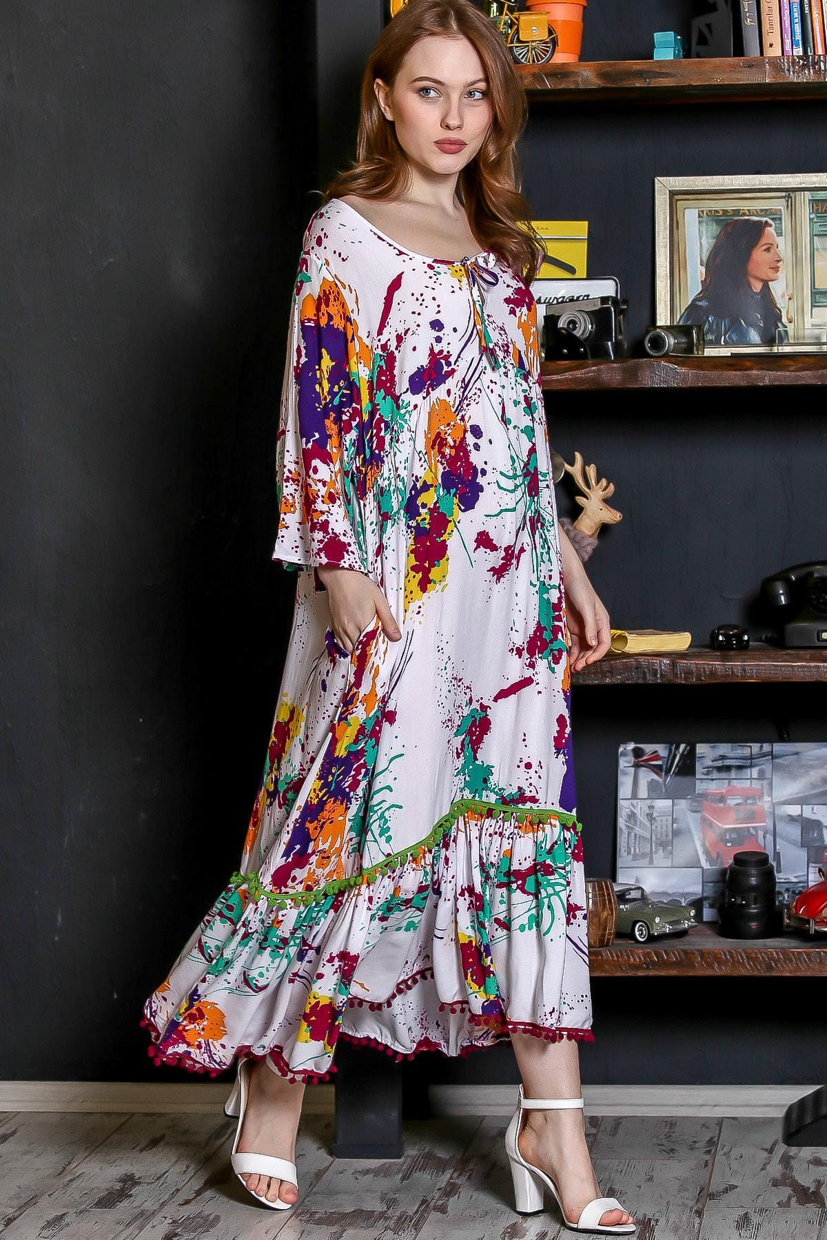Chiccy Kadın Beyaz Sıfır Yaka Fırça Desen Etek Ucu Ponpon Detaylı Uzun Dokuma Elbise M10160000EL95226