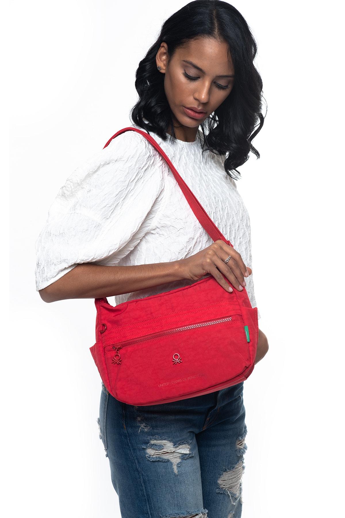 United Colors of Benetton Kırmızı Kadın Postacı Çantası BNT221 1