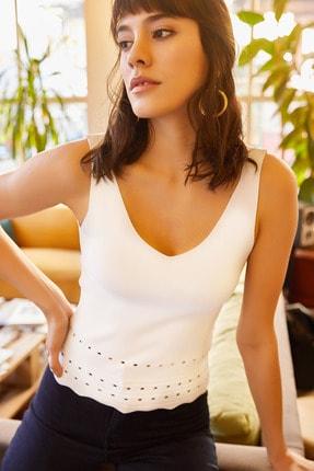 Olalook Kadın Beyaz Altı Delikli Ön Arka V Yazlık Triko Bluz BLZ-19000909