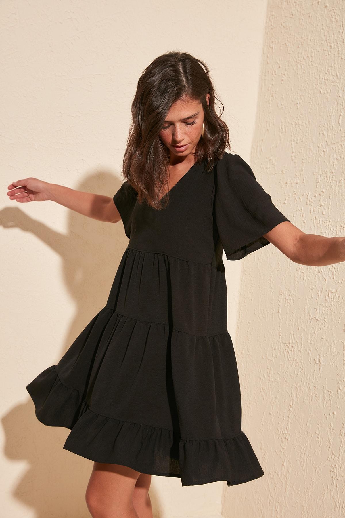 TRENDYOLMİLLA Siyah Geniş Kesim Elbise TWOSS20EL0400 1