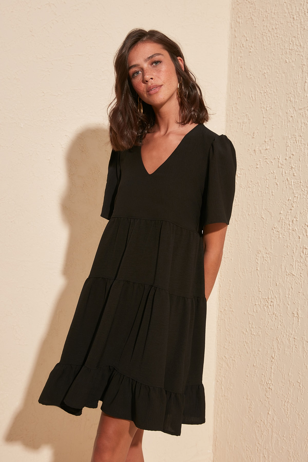 TRENDYOLMİLLA Siyah Geniş Kesim Elbise TWOSS20EL0400 2